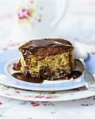 Round cake with toffee sauce