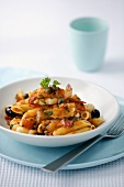 Penne with shrimps and olives