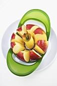 Apfel in einem Apfelspalter