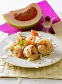 Shrimp salad with pomelo and grapefruit (Thailand)