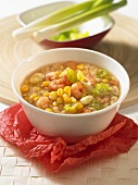 Chicken broth with sweetcorn and shrimps (China)