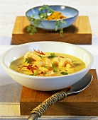 Curried shrimp soup cooked in the microwave