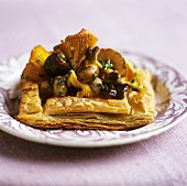 Puff pastry tart with mushroom filling