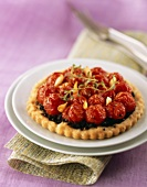 Small cherry tomato and olive tart (with olive paste)