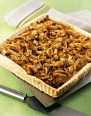 Onion tart with raisins