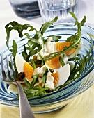 Eiersalat mit Rauke und Limetten-Dressing