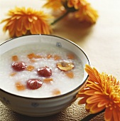 Rice porridge with dates and carrot