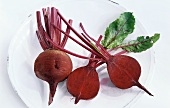 Two beetroots (whole and halved)