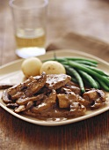 Peppered steak with mushrooms