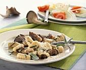 Gnocchi mit Austernpilzen und Salbei