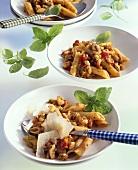 Pasta with chicken ragout