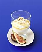 Yoghurt dressing with honey and figs