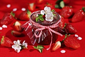 Strawberry jam with fresh strawberries & strawberry flowers