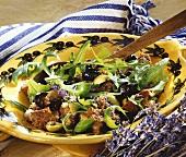 Panzanella ai fiori di lavanda (Bread salad with lavender)