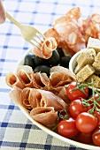 Antipasto di prosciutto e salame (salami and ham platter)