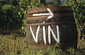 Wine barrel in open air, serving as signpost
