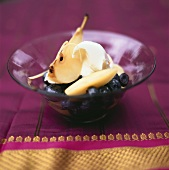 Pear with blueberries and crème fraîche