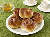 Sesame rolls with jam