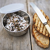 Lentil and radish spread with grilled bread