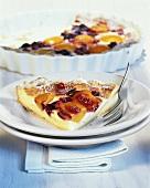 Quark tart with fruit