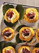 Savoury cakes with figs