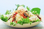 Mixed salad with cottage cheese, carrots, lentils and figs