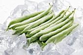 Gefrorene grüne Bohnen auf Eis