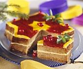 Sternförmiger Cranberrykuchen mit Cremefüllung