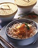 Glass noodle salad with carrots, grapefruit and chicken