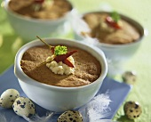 Baked poultry pâté with horseradish and chillies