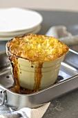 Cottage pie (Mince and mashed potato dish, UK)