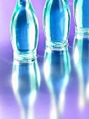 Frei blaue Flaschen