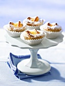 Small coconut cakes