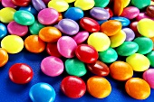Coloured chocolate beans (Smarties)