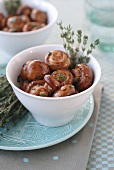 Marinated button mushrooms with thyme