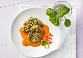 Veal escalopes with basil and pepper cream