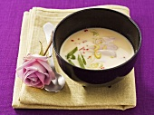 Coconut soup with chicken breast