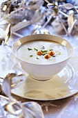 Zuppa di vino altoadesina (Wine soup with soup pearls)