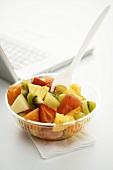 Gemischter Obstsalat fürs Büro