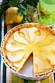 Pear tart with cake glaze