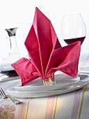 Napkin folding design: 'Flora'