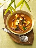 Red chicken curry (Thailand)