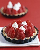 Strawberry tart in tart tin
