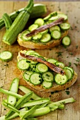Crostini zucchina e acciuga (Toasted bread with courgette and anchovies)