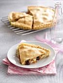 Mozzarella, olive and tomato pie