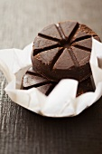 Mexikanische Schokolade im Einwickelpapier