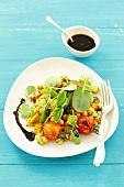 Gebratenes Gemüse mit Kichererbsen-Tomatensalat