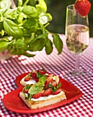 Strawberry slices with wine, basil and strawberries