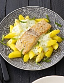 Salmon fillet with chive sauce, saffron aspragus and potatoes