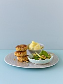 Carrot oat burgers, mashed potato with pears & spinach salad